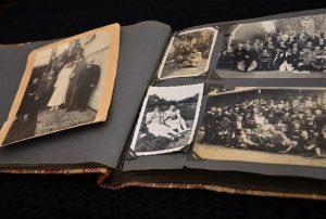 organize your memoirs, old photo album